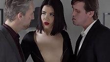Glamkore Lady gets cumshot facial