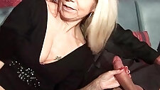 French mature wife gets double penetrated in a swinger club