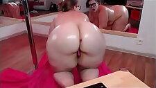 BBW twerking big wet ass show