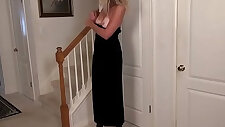 American milf gets aroused easily in her pantyhose
